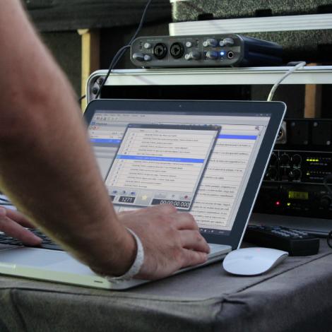 ¿Cómo se hace una audiodescripción para teatro?