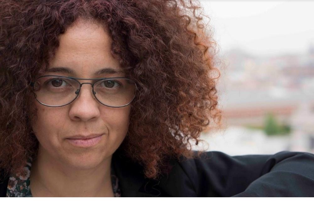 """Montse García, intérprete de lengua de signos: """"Las personas sordas han de ocupar los teatros"""""""